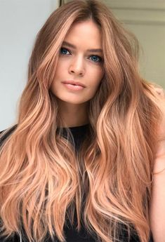 Coolest Strawberry Blonde Hair Color Shades in 2019 Bold shades of strawberry blonde hair colors for long hair styles to show off on all the special occasions and parties in this year. If you are really thinking to change your existing hair colors then we Strawberry Blonde Hair Dye, Dyed Blonde Hair, Ombre Hair, Strawberry Highlights, Strawberry Blonde Hairstyles, Auburn Blonde Hair, Reddish Blonde Hair, Rose Gold Blonde, Blonde Hair Looks