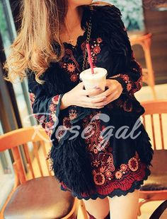 Fashionable V-Neck Floral Embroidery Batwing Sleeve Women's Dress