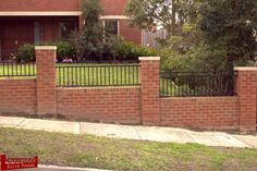 Brick-Retaining-Wall-and-Fence-With-Scroll-Steel-1.jpg (1152×768)