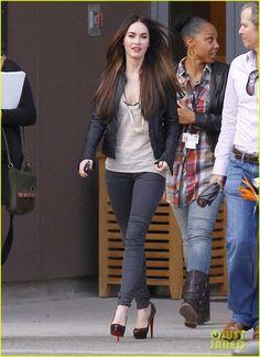 Megan Fox wearing Christian Louboutin Bianca 140 platform pumps Hudson Pull-On Skinny Jeans