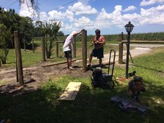 FENCE BUILDING DAY STARTS POPPA CHARLES, TRAVIS, CODY JOHN, JENNA MARIE, 100 DEGREE FLORIDA HEAT!!! GET ER' DONE!!!