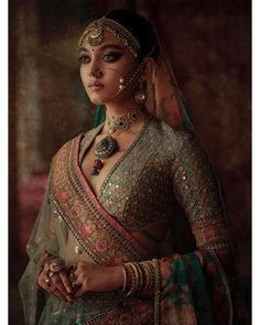 2019 Sabyasachi Charbagh Bridal Lehenga Collection 2019 Sabyasachi Charbagh Bridal Lehenga collection has a bunch of traditional red wedding lehengas, some gorgeous destination wedding outfits + lots more. Indian Bridal Outfits, Indian Bridal Wear, Indian Dresses, Indian Wedding Jewellery, Indian Weddings, Sabyasachi Lehenga Bridal, Indian Bridal Lehenga, Lehenga Blouse, Lehenga Wedding