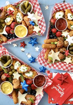 Not sure why we didn't start this personal snack tray thing sooner. These 4th of July snack trays include layered textured items and festive touches along with Mozzarella Sticks, Chicken Bites, Loaded Potato Skins and Meatballs. #4thofJuly #FarmRich #SnackTray.  (📷 Huckleberry Collective) Mozzarella Sticks, Fresh Mozzarella, Loaded Potato Skins, Cracked Pepper, Chicken Bites, Green Tomatoes, Huckleberry, Ricotta, 4th Of July