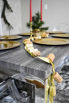 A Southern holiday home tour featuring mix of feminine, modern, and traditional Christmas decor elements as well as decorating tips and sources by Dash of Jazz