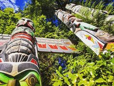 There's plenty to see and do in Vancouver's 1,000 acre Stanley Park. So grab your map, and let's explore.