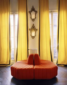 Party lounging with Black-trimmed yellow curtains by Vincent Darré Art Deco Furniture, Furniture Styles, My Living Room, Home And Living, Yellow Home Decor, Yellow Curtains, Gold Curtains, Interior Decorating, Interior Design