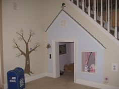 playhouse for under the stairs