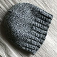 Basic hat pattern (adult) - Nerdy girl knits.
