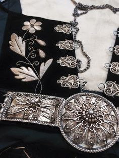 Folk Costume, Costumes, Iceland Island, Traditional Clothes, Silver Filigree, Vikings, Textiles, Memories, Shoulder Bag