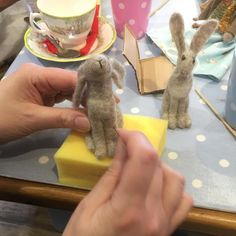 Needle felting can be such a rewarding skill. The animals produced can be so life-like and no two pieces are ever the same. Tea Cakes, Dressmaking, Needle Felting, Workshop, Paper Crafts, Knitting, Sewing, Crochet, Life