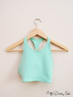 20+ Free Sewing patterns for Athletic Wear | Free Sewing Patterns and Tutorials: DIY sports bra
