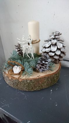 Christmas is coming soon so its time to start making some easy and fun Christmas decorations like these awesome table centerpieces christmas centerpieces Easy and Fun DIY Christmas Decorations and Table Centerpieces That Won't Break the Bank Xmas Table Decorations, Christmas Table Centerpieces, Christmas Decorations For The Home, Diy Christmas Cards, Candle Centerpieces, Christmas Candle, Simple Christmas, Christmas Crafts, Christmas Ornaments