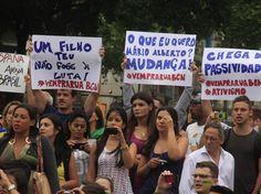 #atosdeapoio - 18 de junho de 2013 - Manifestação em Barcelona demonstra solidariedade a brasileiros (Foto: Osmar Portilho / Terra)