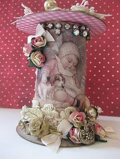 Wooden Spool Crafts, Wooden Spools, Doilies Crafts, Lace Doilies, Altered Boxes, Altered Art, Arts And Crafts Projects, Projects To Try, Victorian Crafts