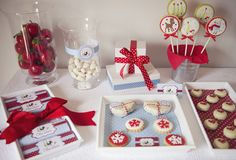 Red and White Christmas Dessert Table #christmas #partytable