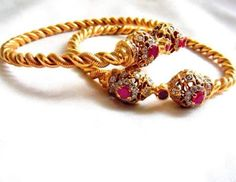 Pipe Gold Bangles New Collection Indian Look Jewelry Design Earrings, Gold Earrings Designs, Diamond Jewelry, Diamond Bangle, Gold Jewelry, Gold Bangles Design, Gold Jewellery Design, Solid Gold Bangle, Bridal Jewelry Sets