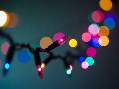 holiday bokeh 2008 (1) by Trev Stair, via Flickr