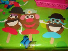 Make your own Mr. Potato Head craft...3 year old appropriate! Awww she loves Mr. potato head!