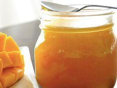 Recette de confiture de mangue au Thermomix TM31 ou TM5. Préparez cette petit déjeuner en mode étape par étape comme sur votre appareil !