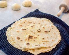 Hjemmelagde hvetetortillas - Så mye bedre enn det du får ...   Gladkokken Pesto, Nom Nom, Tacos, Food And Drink, Favorite Recipes, Baking, Breakfast, Ethnic Recipes, Desserts