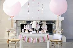 Here are some of my favorite New Year's Eve parties from around the web. I hope they give you fabulous inspiration for your own party. (No matter if the party is for a year past; all you need are the pretty and clever ideas -- just update the year! Round Balloons, Giant Balloons, White Balloons, Confetti Balloons, Balloon Clouds, Balloon Balloon, Large Balloons, Pink Gold Party, Pink And Gold