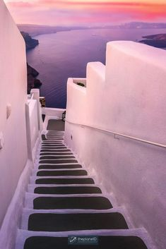 Santorini is known for its sprawling whitewashed villages clinging to the high sea cliffs overlooking the Aegean Sea. But there are so many places to visit in Santorini that it will surprise you. There is so much to do on this gorgeous Greek island. | Blog by the Planet D | #Travel #Santorini #Greece | what to do in santorini | things to do in santorini | greece santorini things to do Santorini Greece Beaches, Santorini Sunset, Romantic Vacations, Romantic Travel, Dream Vacations, European Destination, European Travel, Cool Places To Visit, Places To Travel