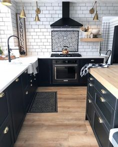 Uplifting Kitchen Remodeling Choosing Your New Kitchen Cabinets Ideas. Delightful Kitchen Remodeling Choosing Your New Kitchen Cabinets Ideas. Black Kitchens, Modern Farmhouse Kitchens, Home Kitchens, Home Decor Kitchen, New Kitchen, Kitchen Ideas, Kitchen Inspiration, Bohemian Kitchen Decor, Kitchen Yellow