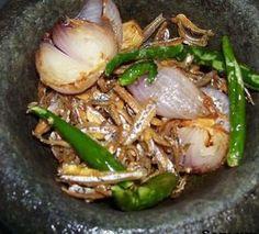 Nampak Biasa? Tapi Bila Sekali Rasa Sambal Totok Jawa Viral Ini Memang Boleh Tak Ingat Dunia - Rasa Spicy Recipes, Fish Recipes, Seafood Recipes, Asian Recipes, Cooking Recipes, Simple Recipes, Malaysian Cuisine, Malaysian Food, Asian Cooking