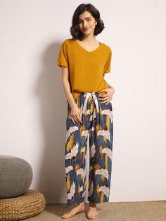 Cute Pajama Sets, Cute Pajamas, Pj Sets, Cute Sleepwear, Sleepwear Sets, Night Suit For Women, Pijamas Women, Diy Clothes And Shoes, Stylish Work Outfits