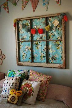 Vieille fenêtre cadre tissu