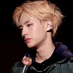 - winwin I honestly didnt see enough of this winwin Nct 127, Nct Winwin, Mark Lee, Taeyong, K Pop, Daddy, Jaehyun Nct, Fandoms, Entertainment