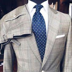 Pictoturo - mydapperself: Stunning gray + blue combo. The...