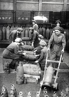 British munitions girls