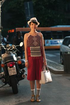 Janie Cai on citizen couture. Really subtil details on that dress!