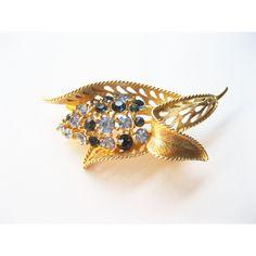 Lisner Leaf Brooch Blue Rhinestones Vintage ($23) ❤ liked on Polyvore featuring jewelry, brooches, blue brooch, blue costume jewelry, pin brooch, rhinestone brooches and vintage jewelry