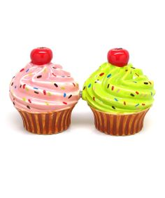 Cupcakes Salt & Pepper Shakers..... I need these...
