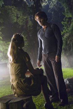 Kristin Bauer van Straten and Stephen Moyer in True Blood Pam True Blood, Serie True Blood, True Blood Party, Anna Paquin True Blood, Hbo Tv Shows, Vampire Shows, Eric Northman, Hbo Series, Alexander Skarsgard