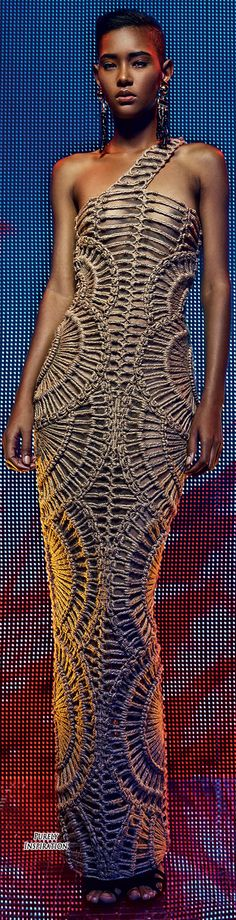 Balmain Resort 2016 Women's Fashion | Let yourself to be inspired in http://www.bocadolobo.com/en/inspiration-and-ideas/