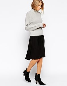 jupe patineuse noire, sweat ample