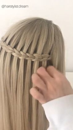Amazing braid hairstyle - - Amazing braid hairstyle Soft, shiny, silky and well-groomed hair is our dream. However, because of our research for hair care, which is the main. Fishtail Braid Hairstyles, Box Braids Hairstyles, Hairstyles Videos, College Hairstyles, Make Hair Grow, Hair Upstyles, Cool Braids, Grunge Hair, Green Hair