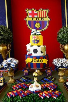 Ideas para fiestas de fútbol Barcelona | Tarjetas Imprimibles 9th Birthday Cake, Boy Birthday, Barcelona Soccer Party, Barcelona Cake, Soccer Birthday Parties, Party Themes, Decoration, Gaston, Psg