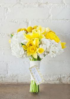 Happy yellow bouquet by A Stylish Soiree! Photo by Perez Photography. #wedding #bouquet #yellow