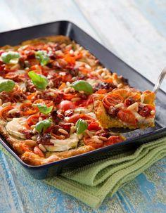 Vuohenjuusto-tomaattipiirakka | Muut pääruoat | Pirkka I Love Food, Good Food, Yummy Food, Finnish Recipes, Dessert Recipes, Desserts, Vegetable Pizza, Dinner, Baking