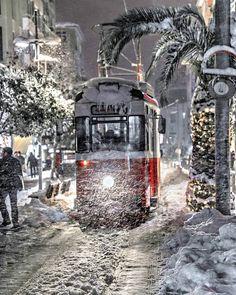 A streetcar in the snow - Moda, Istanbul, Turkey Turkey Photos, Winter Magic, Winter Snow, Dream City, City Streets, Winter Scenes, Holiday Travel, Beautiful World, Scenery