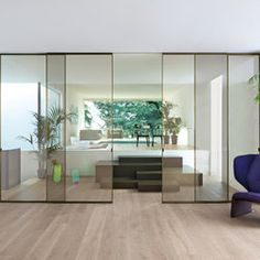 Aladin and Sherazade collection of doors and partitions designed by Piero Lissoni for Glas Italia Sliding Door Design, Sliding Panels, Large Furniture, Furniture Design, Home Interior Design, Interior Architecture, Italian Doors, Movable Walls, Home Goods Decor
