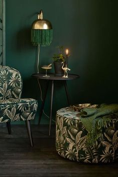 Gold Interior, Interior And Exterior, Interior Design, Grey Bedroom Decor, Tropical Home Decor, Green Rooms, Fashion Room, Green And Gold, Vintage Furniture
