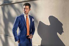 L'abito blu non può mai mancare nell'armadio di un uomo, in fantasia tono su tono rende un classico ancora più chic  #fashion #menswear #sartoriarossi