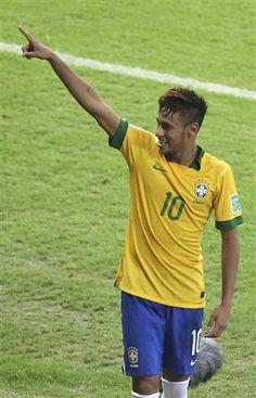 Play Soccer, Neymar Jr, Football, My Love, Mens Tops, Heart, Image, Soccer, Futbol