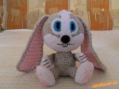 háčkovaný králík - Description with some Russian terms but worth the try. Crochet Rabbit, Crochet Toys, Amigurumi Toys, Amigurumi Patterns, Handmade Toys, Baby Toys, Free Pattern, Hello Kitty, Teddy Bear