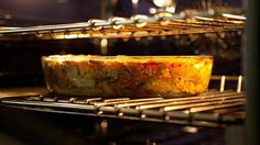 What temperature keeps food warm in the oven?